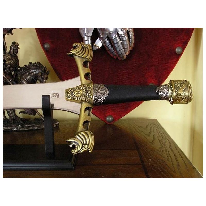 Alexander the great fighting sword