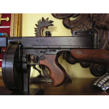 Thompson machine gun with cylinder, USA 1928 - 3