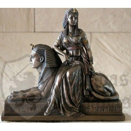 Nefertiti figure with Sphinx