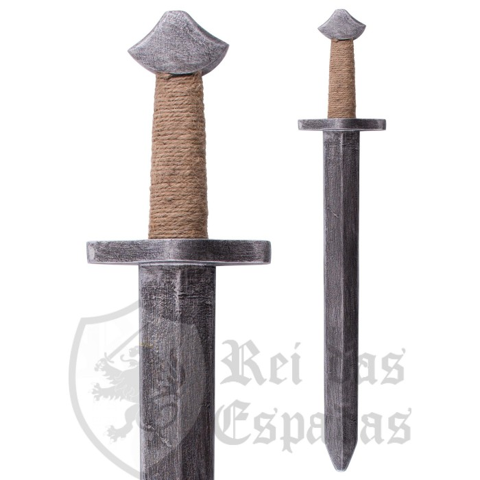 Wooden toy sword for children, with handle wrapped in jute - 2
