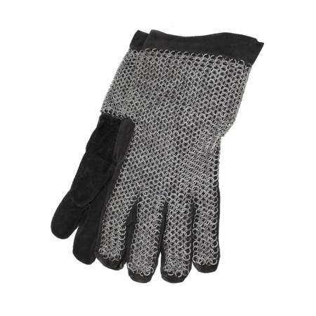 Chain mail gloves