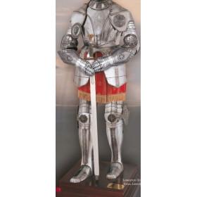 16th-century engraved armor - 2