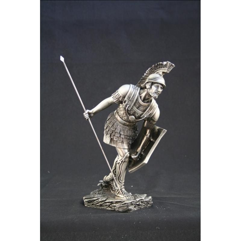 Resin Figur mit hochwertigem Metallic-Finish.